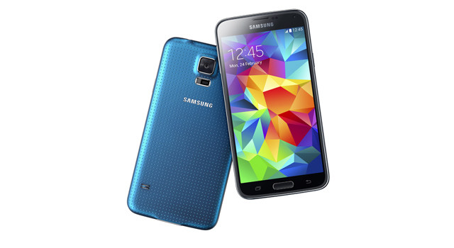 The Samsung Galaxy S5 in Electric Blue Front & Rear